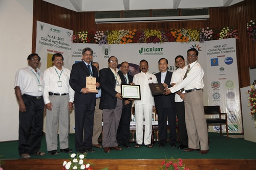 TNAU Team recieves the prestigeous NIABI 2011National Award for Best Agri Business Incubator